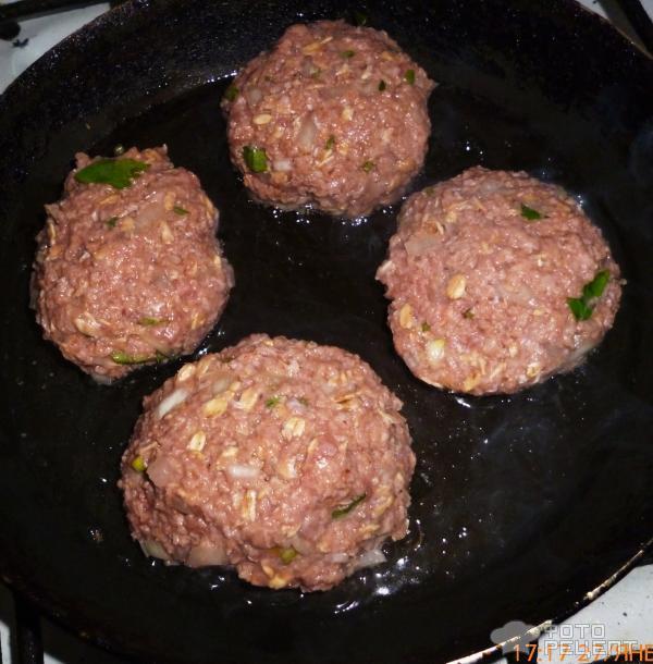 Как сделать фарш из свинины на котлеты рецепт с