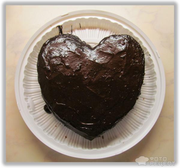 шоколадный торт в форме сердца