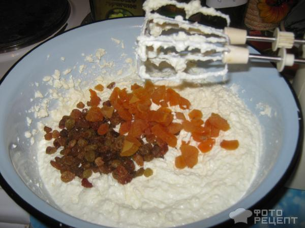 Рецепт: Творожная Пасха - с курагой и изюмом
