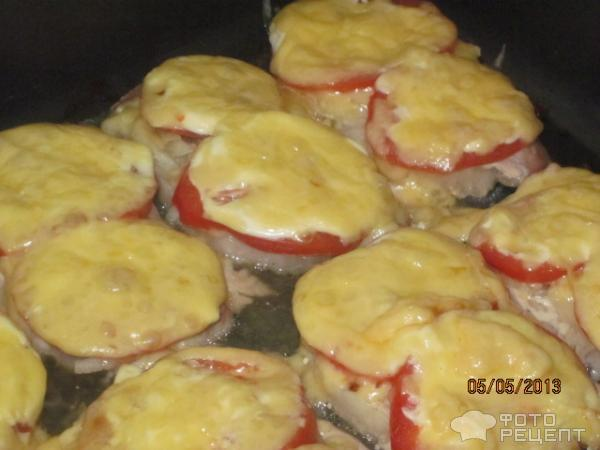 Свинина с помидоркой и сыром в духовке рецепт