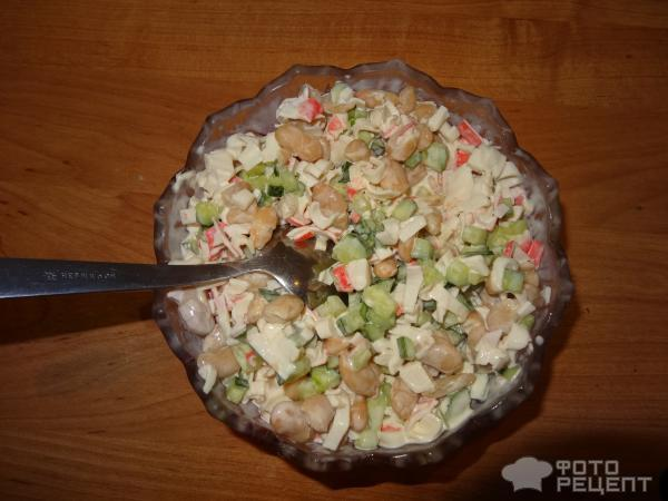 Салат с консервированным мясом краба рецепт