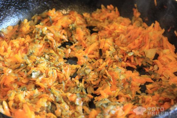 морковь с луком и зеленью жареные