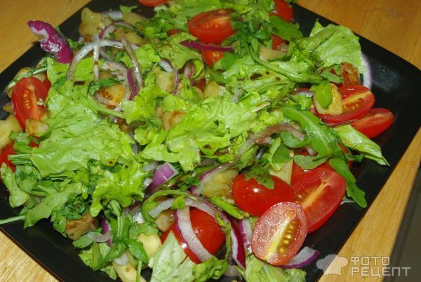 Салат Теплый салат с рукколой и баклажанами фото
