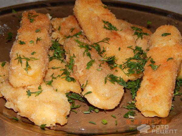 Рецепт сырных палочек в сухарях