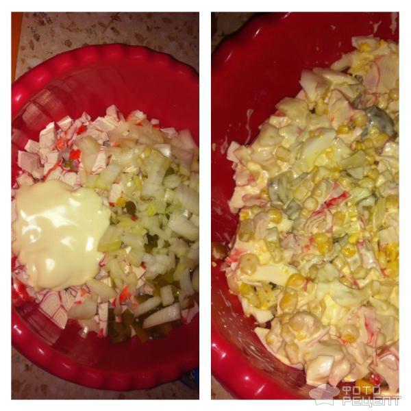 Салат из крабовых палочек с соленым огурцом