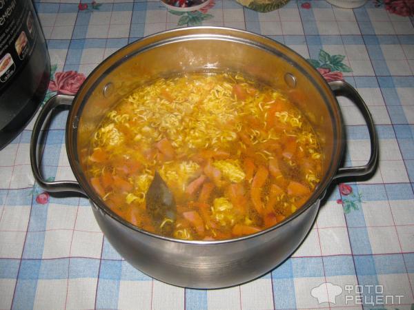 Суп с вермишелью быстрого приготовления фото
