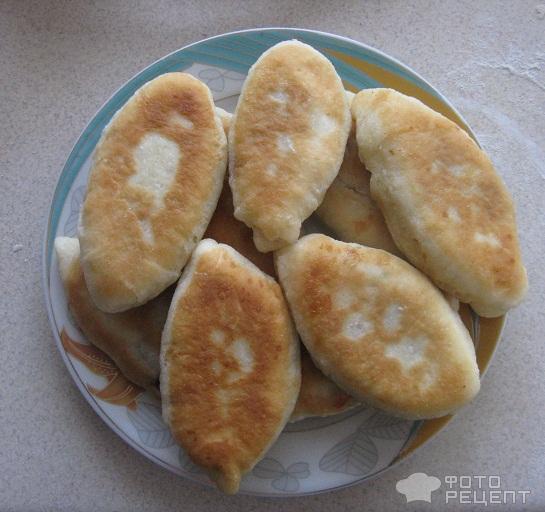 Пирожки с вишней жареные фото