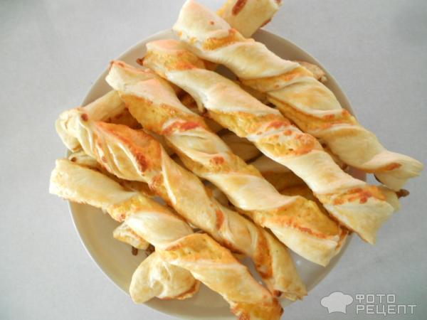 Сырные палочки слоеныеы