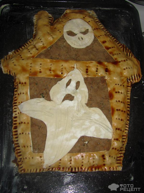 Пирог из слоеного теста Дом с привидениями фото