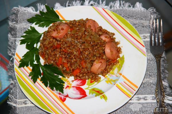 Вкусная греча с сосисками фото