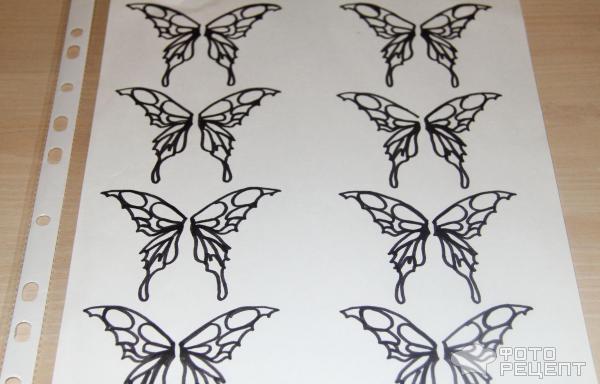 Бабочка нарисованная шоколадом