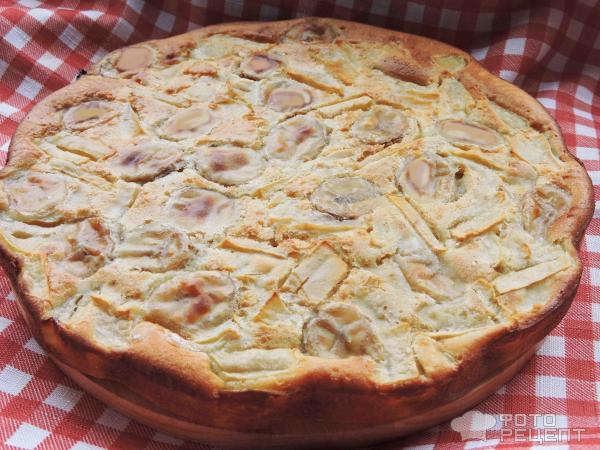 Шарлотка на кефире с яблоками и бананами рецепт пошагово в духовке