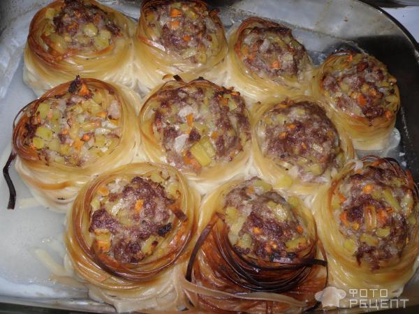 Гнезда из макарон с фаршем рецепт в духовке с соусом