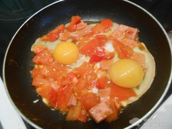 Рецепт яичницы с колбасой с пошагово в
