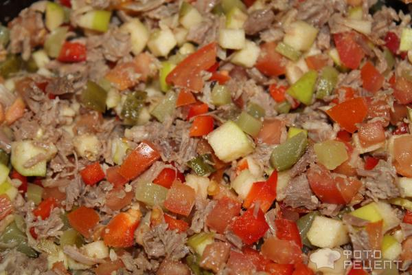 Салат из яблока и мяса
