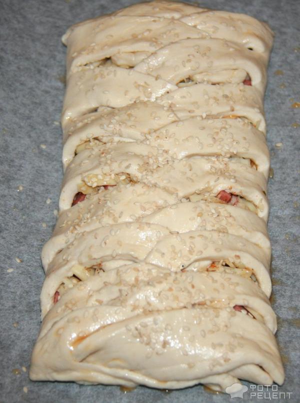 Пироги с колбасой и сыром из слоеного теста рецепт