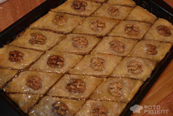 Пахлава с орехами фото