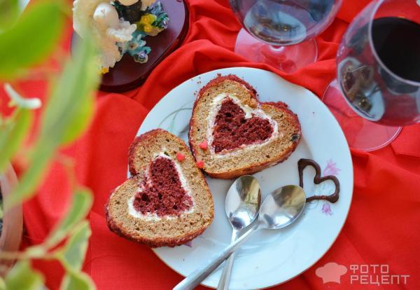 Бисквитный рулет Бархатное сердце фото