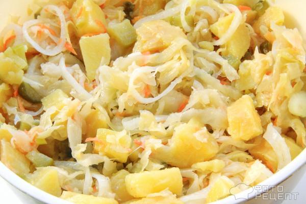 Салат деревенский рецепт с квашеной капустой