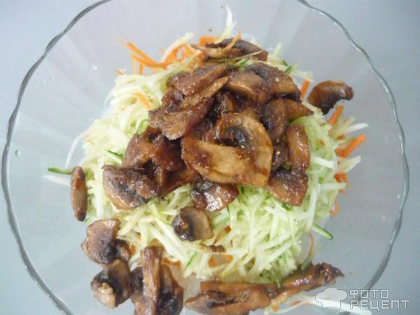 Салат из фунчозы с грибами рецепт очень вкусный с