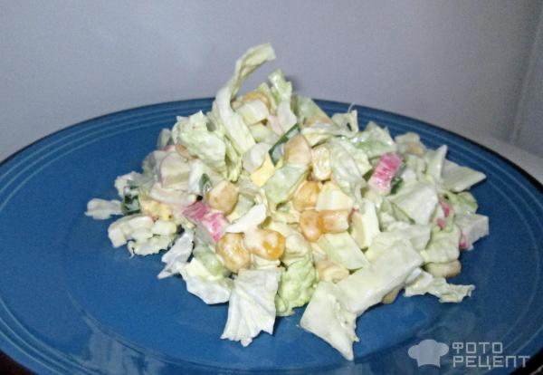 Салат из китайской капусты и крабовых палочек фото
