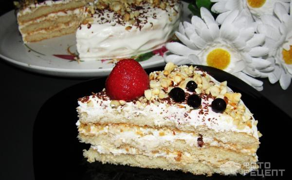 Торт из готовых коржей со сметанным кремом