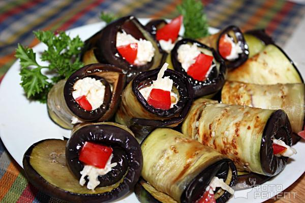 Баклажаны с чесноком с сыром рулетики рецепт