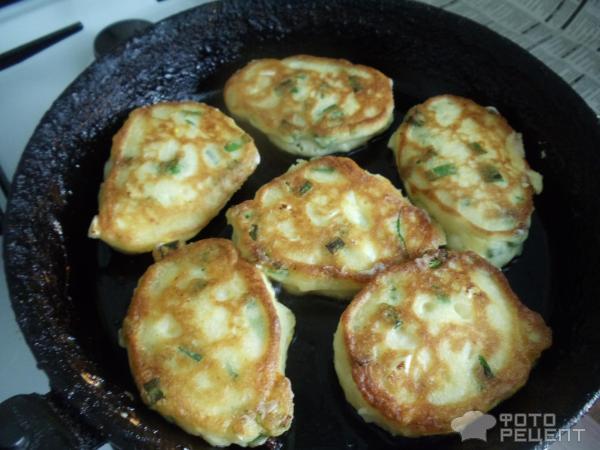 Оладьи с луком и яйцом рецепт