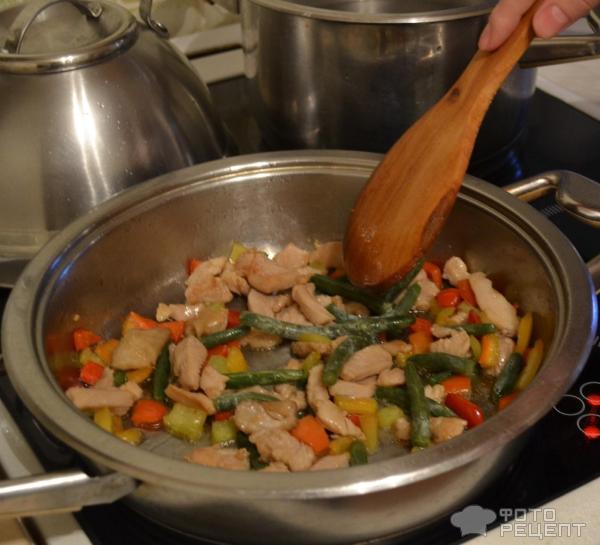Курица в кисло-сладком соусе с лапшой рецепт