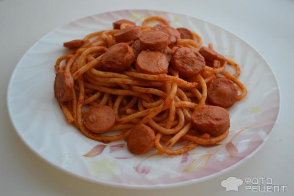 Спагетти с сосисками фото
