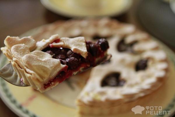 Вишневый пирог к Дню Влюбленный фото