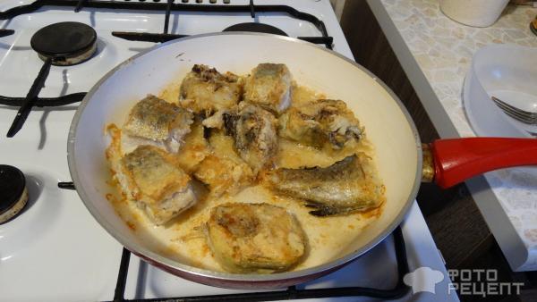 Как пожарить минтай на сковороде с луком пошагово