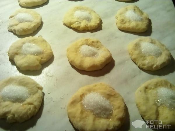 Рецепт булочек из бездрожжевого слоеного теста с корицей
