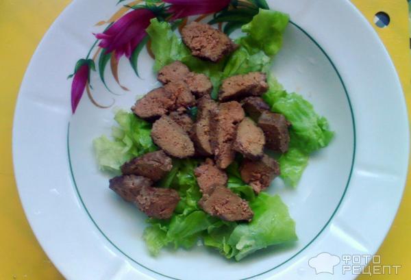 Теплый салат с печенью и овощами