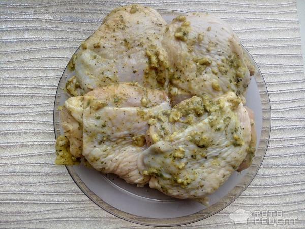 Куриные бедра с овощами фото