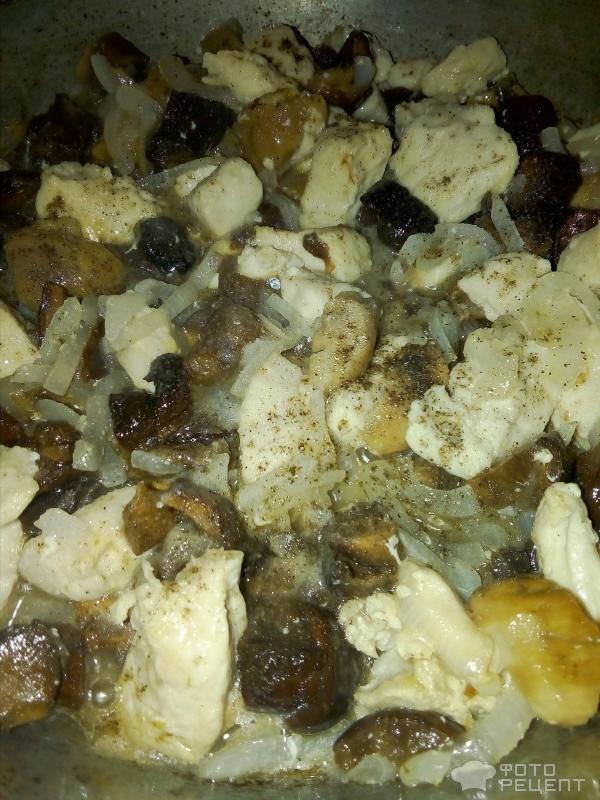 Шампиньоны в сметанном соусе на сковороде рецепт