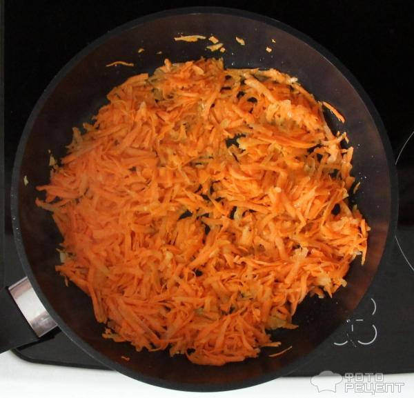 Горбуша жарено-тушеная с морковью фото