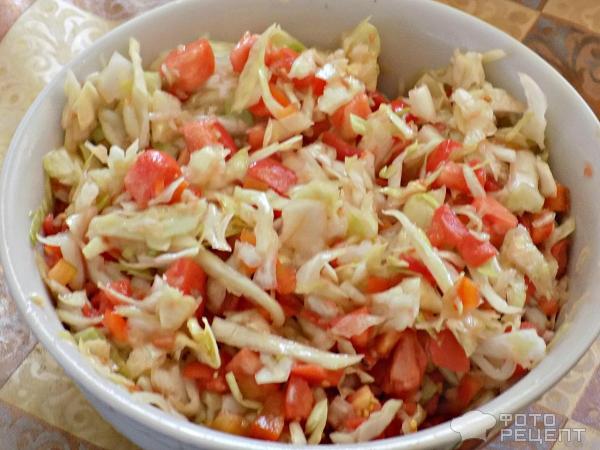 Салат из свежей капусты с помидорами рецепт