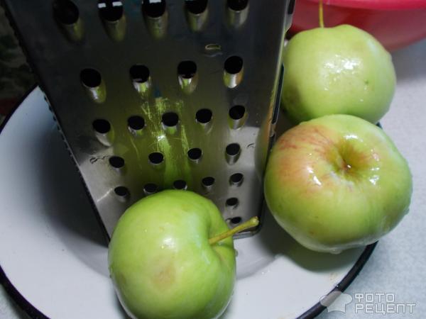 Оладушки с яблоком фото