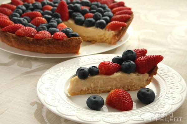 Тарт-чизкейк со свежими ягодами фото