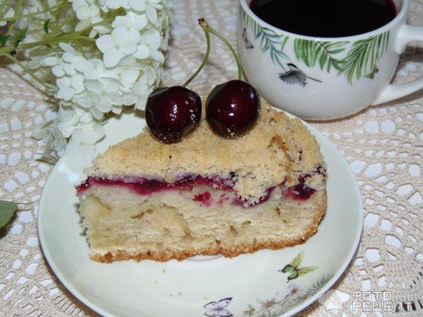 Ягодно-фруктовый пирог со штрейзелем фото
