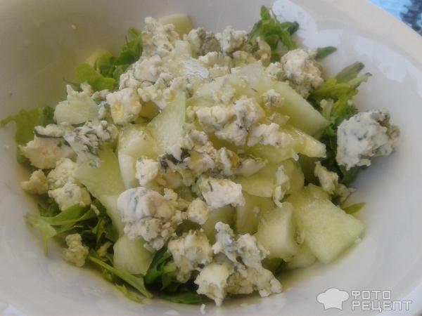 Летний салат с Дор-блю фото
