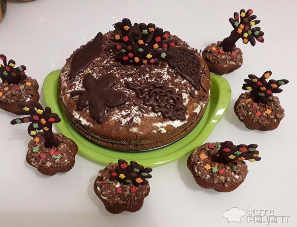 Кексы Осенний сад с шоколадными украшениями фото