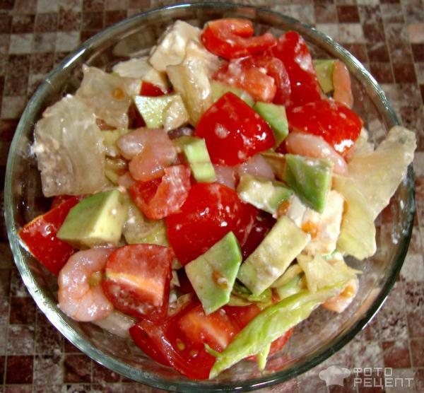 Легкий салат с креветками фото