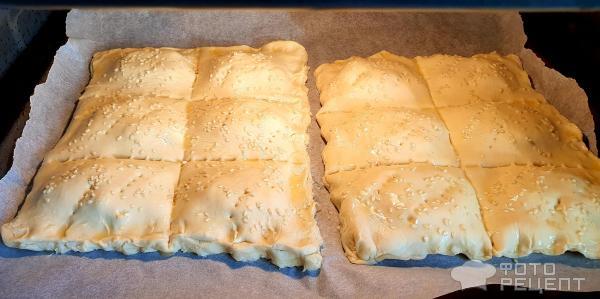 Слоёные пирожки с картошкой, луком и яйцом