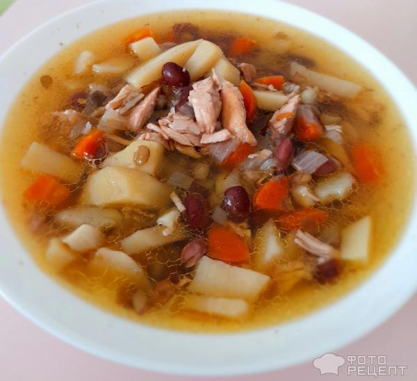 Куриный суп с бобовым ассорти фото