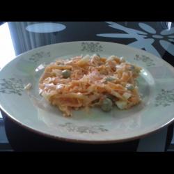Рецепт: Салат из моркови с зеленым горошком