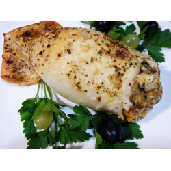 Рецепт: Кальмар, запеченный с грибной начинкой