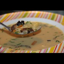 Рецепт: Суп с сушеными белыми грибами и плавленным сыром