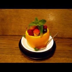 Рецепт: Фруктовый-ягодный салат микс